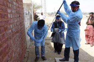 Researchers Sample Sinks and Latrines in Pakistan